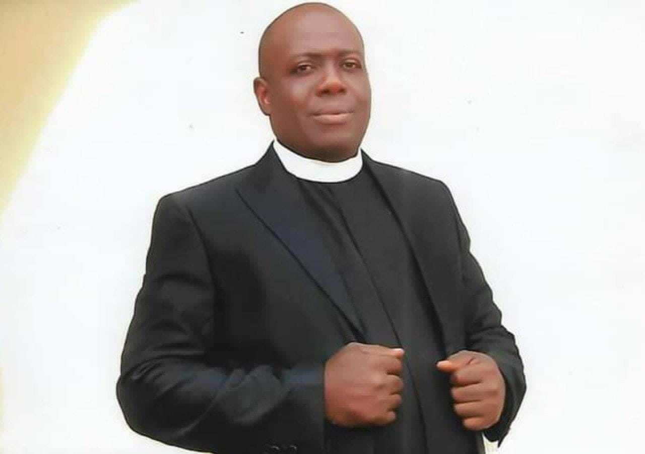Sit-at-Home Unknown gunmen kill Anglican Priest in Imo State